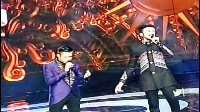 "Fildan feat Reza ""Duet Keren menyanyikan Lagu ini"" Konser Luar Biasa"